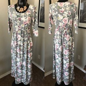 "⭐️NWOT⭐️ Large Floral 3/4"" sleeve maxi"